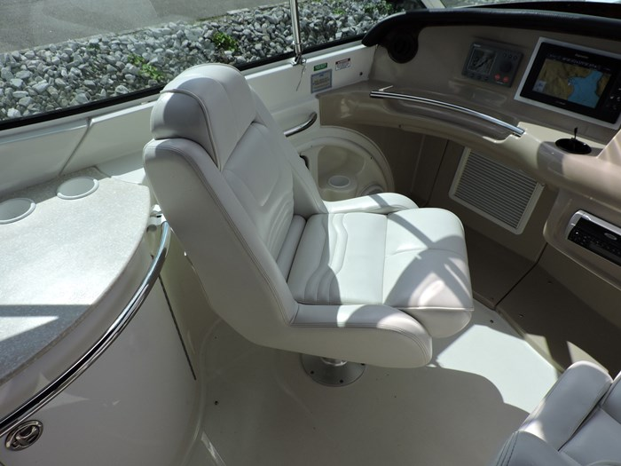 2005 Carver 46 Motor Yacht Photo 27 of 74
