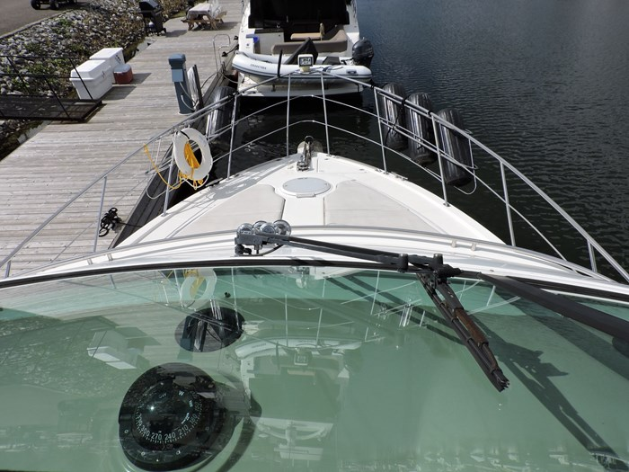 2005 Carver 46 Motor Yacht Photo 32 of 74