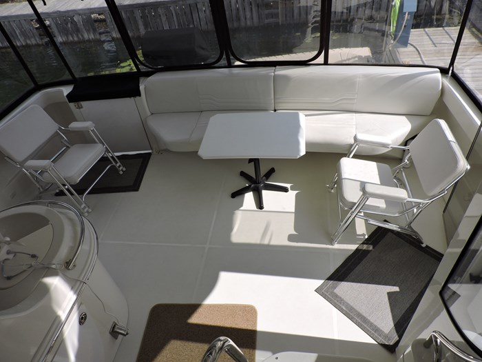 2005 Carver 46 Motor Yacht Photo 36 of 74