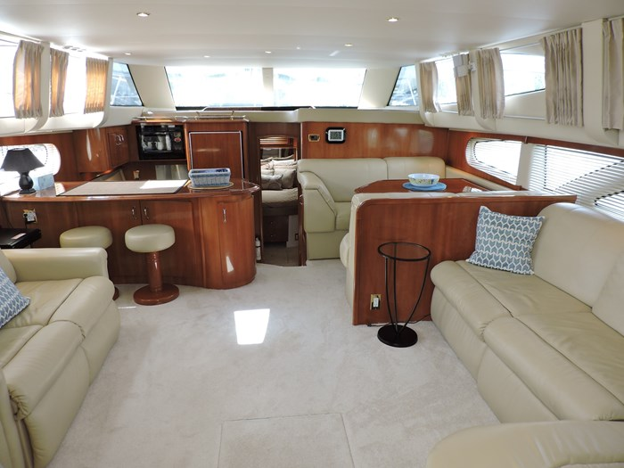2005 Carver 46 Motor Yacht Photo 37 of 74