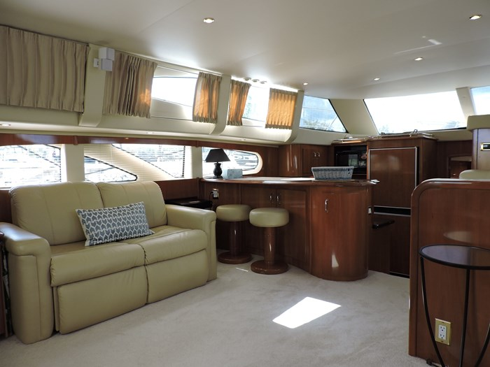 2005 Carver 46 Motor Yacht Photo 38 of 74