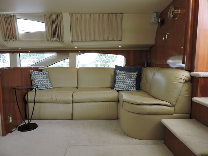 2005 Carver 46 Motor Yacht Photo 40 of 74