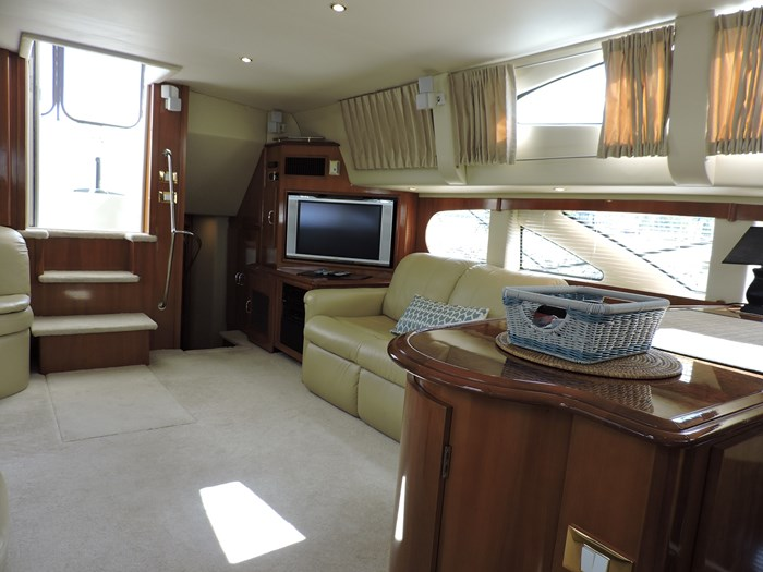 2005 Carver 46 Motor Yacht Photo 44 of 74