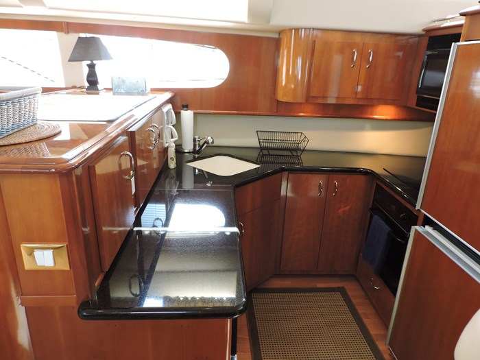 2005 Carver 46 Motor Yacht Photo 45 of 74