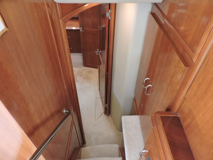 2005 Carver 46 Motor Yacht Photo 52 of 74
