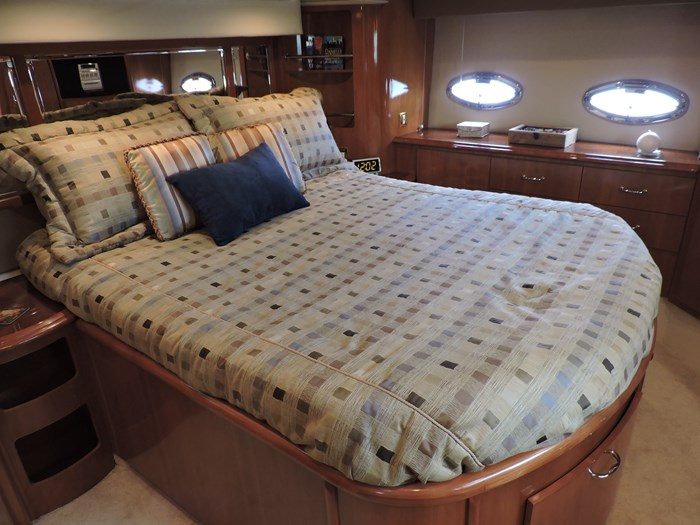 2005 Carver 46 Motor Yacht Photo 53 of 74