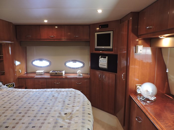 2005 Carver 46 Motor Yacht Photo 54 of 74