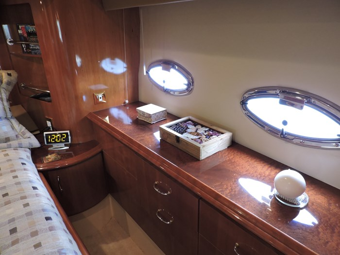 2005 Carver 46 Motor Yacht Photo 56 of 74