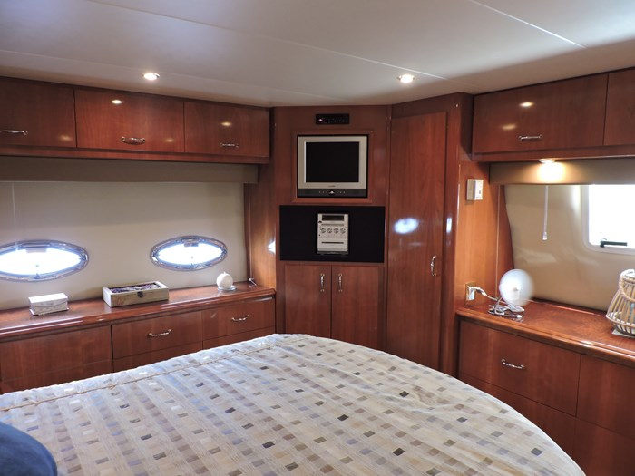 2005 Carver 46 Motor Yacht Photo 57 of 74