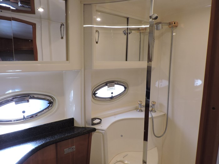2005 Carver 46 Motor Yacht Photo 59 of 74
