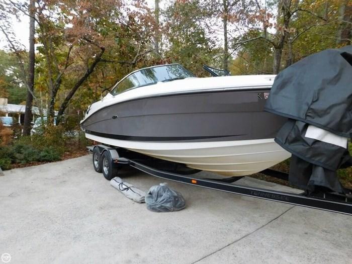 2006 Sea Ray 270 SLX Photo 2 sur 20
