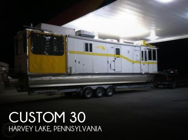 2005 Custom 30 Photo 1 of 20