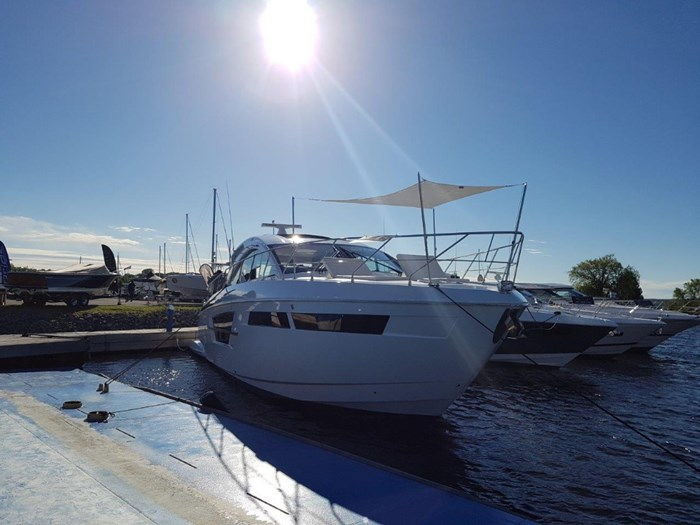 2020 Cruisers Yachts 54 Cantius Photo 1 of 35