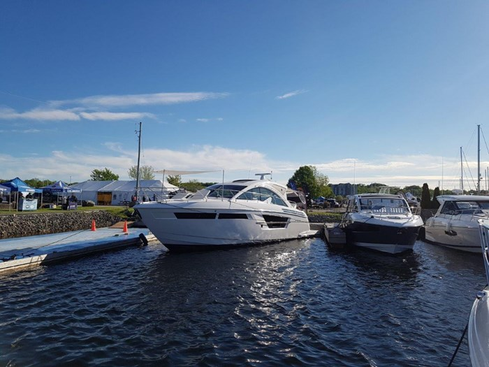 2020 Cruisers Yachts 54 Cantius Photo 2 of 35