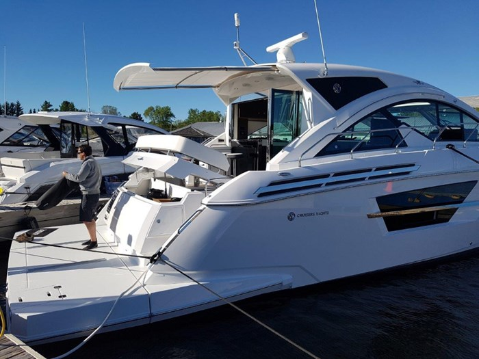 2020 Cruisers Yachts 54 Cantius Photo 6 of 35