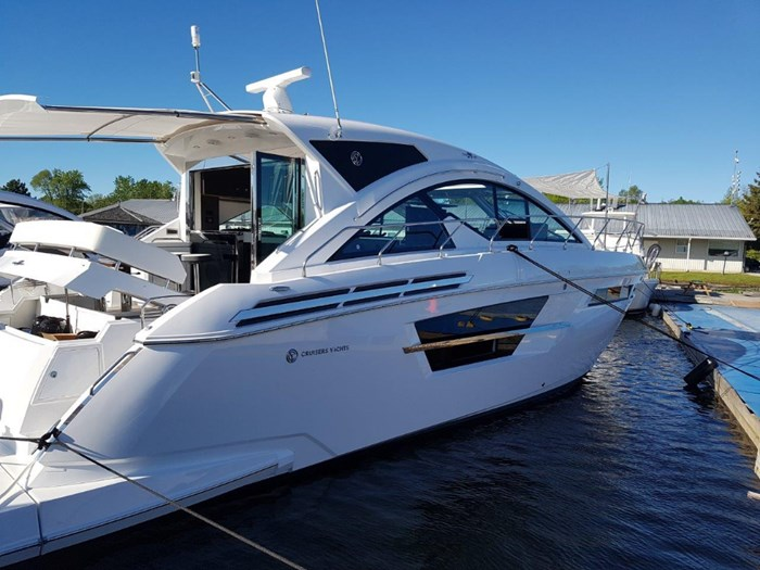 2020 Cruisers Yachts 54 Cantius Photo 7 of 35