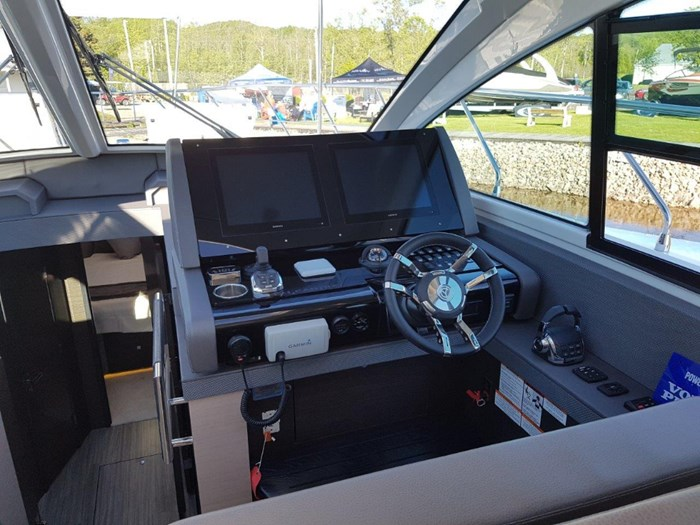 2020 Cruisers Yachts 54 Cantius Photo 16 of 35