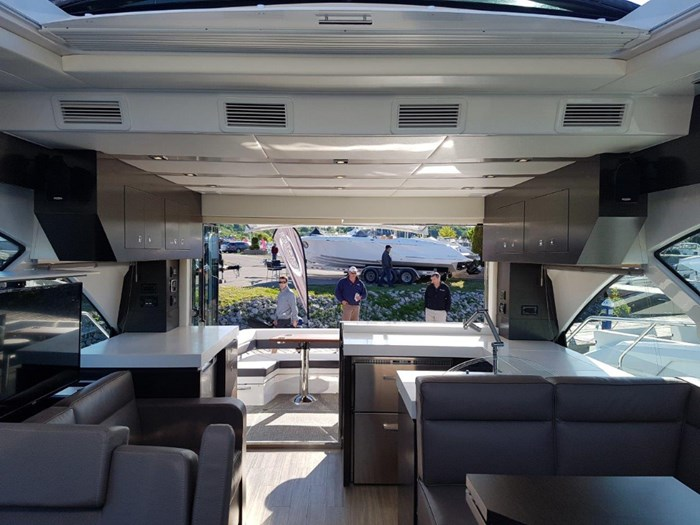 2020 Cruisers Yachts 54 Cantius Photo 18 of 35