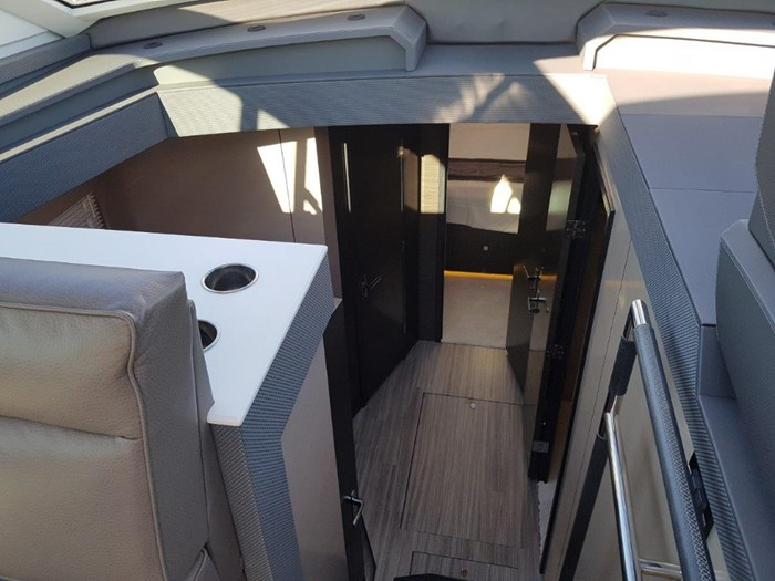 2020 Cruisers Yachts 54 Cantius Photo 19 of 35