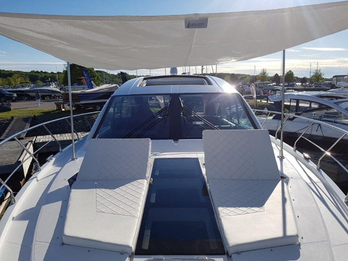 2020 Cruisers Yachts 54 Cantius Photo 34 of 35