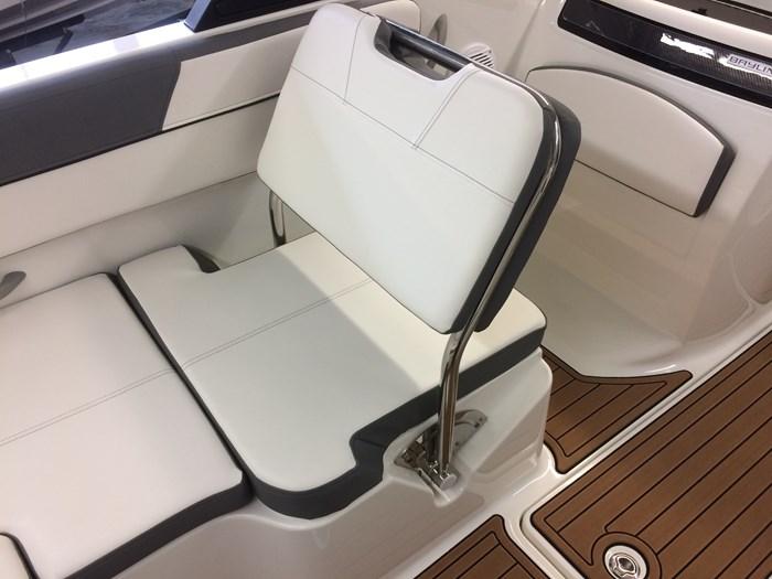 2017 Bayliner VR6 Photo 12 of 29