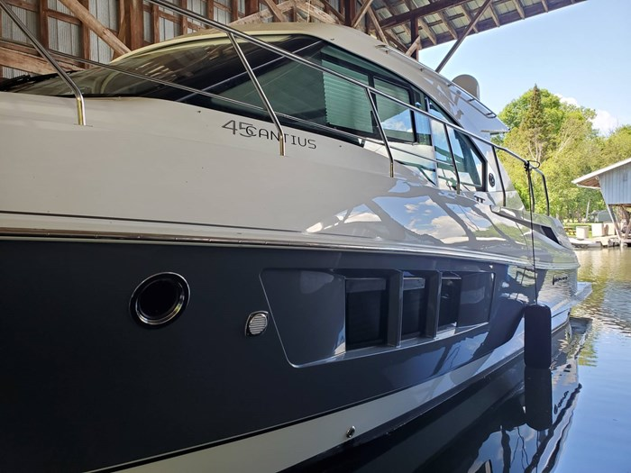 2018 Cruisers Yachts 45 Cantius Photo 5 sur 73