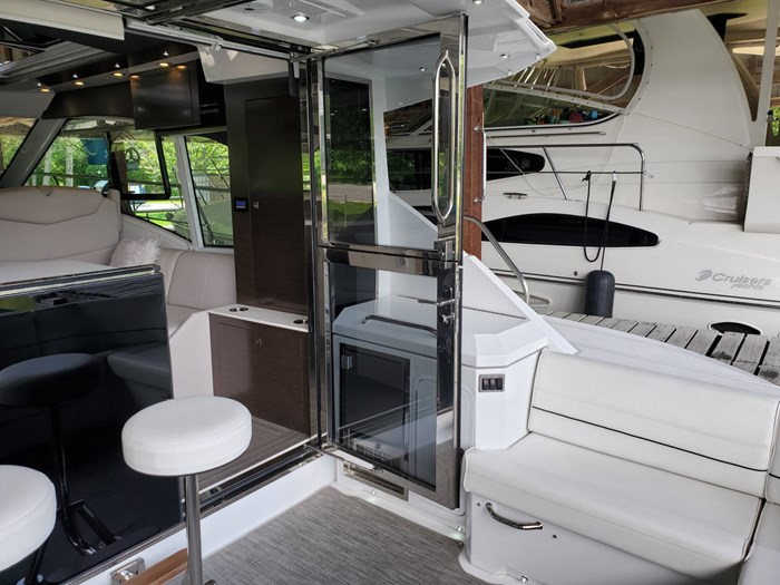 2018 Cruisers Yachts 45 Cantius Photo 15 sur 73