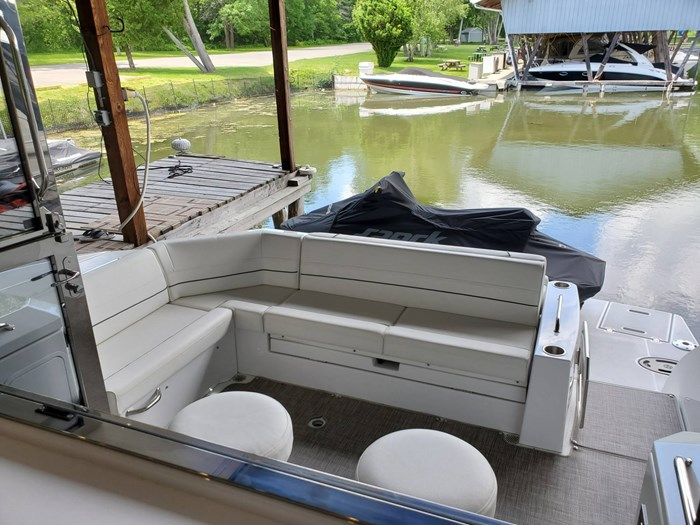 2018 Cruisers Yachts 45 Cantius Photo 18 sur 73