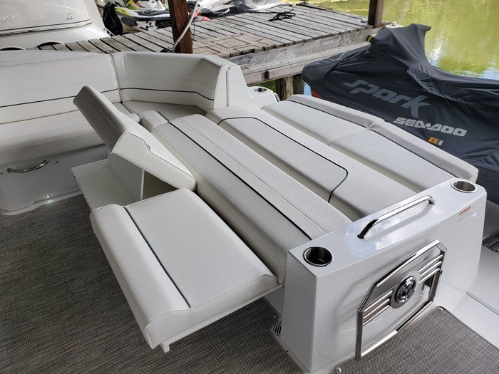 2018 Cruisers Yachts 45 Cantius Photo 22 sur 73