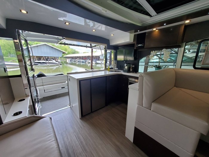 2018 Cruisers Yachts 45 Cantius Photo 31 sur 73
