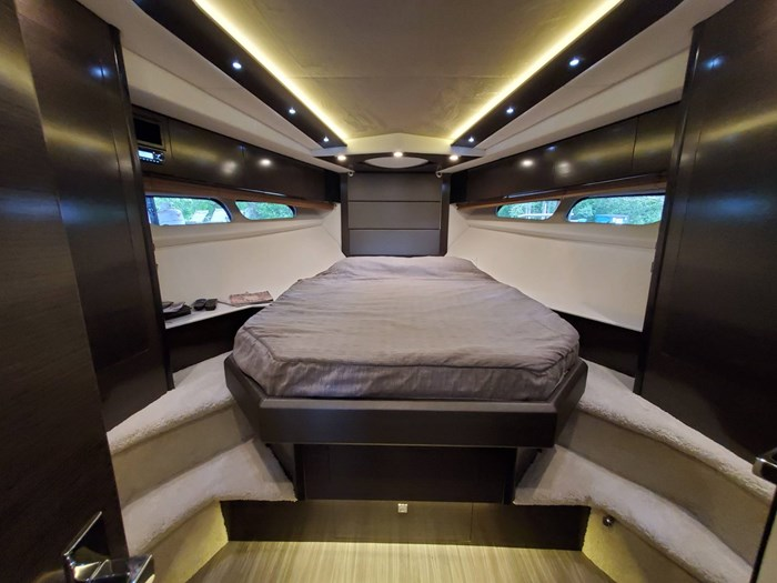 2018 Cruisers Yachts 45 Cantius Photo 44 sur 73