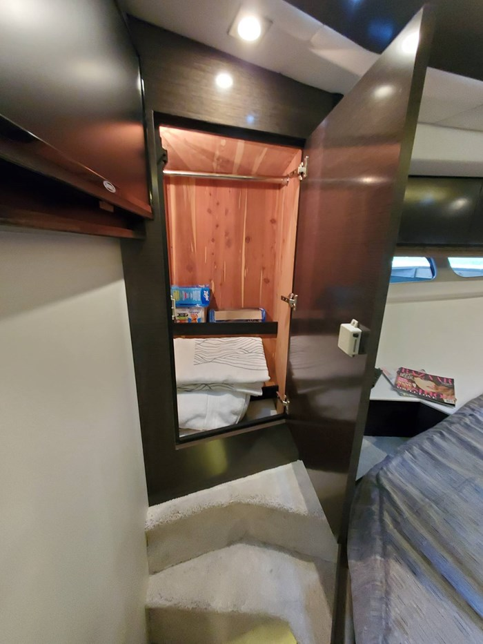 2018 Cruisers Yachts 45 Cantius Photo 47 sur 73