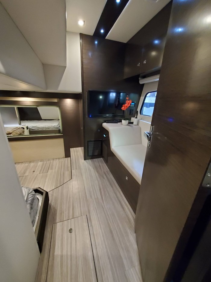 2018 Cruisers Yachts 45 Cantius Photo 50 sur 73
