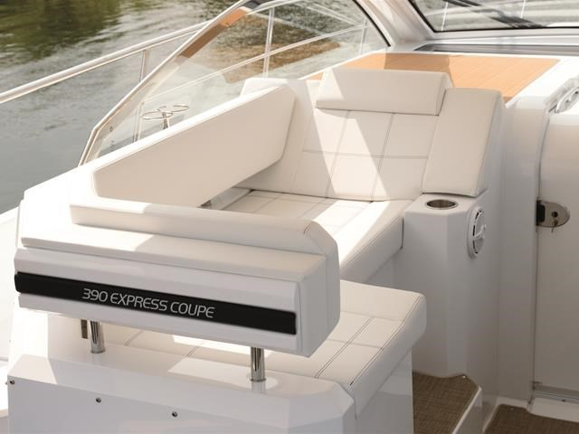 2017 Cruisers Yachts 39 Express Coupe Photo 26 sur 39