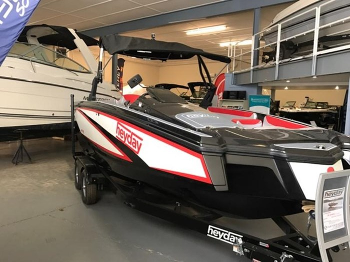 2017 Bayliner WT-2 Photo 2 sur 10