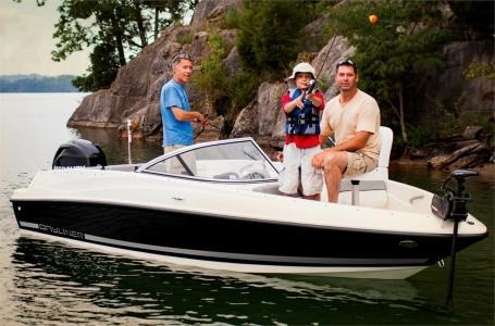 2017 Bayliner 170 Bow Rider Photo 2 sur 7