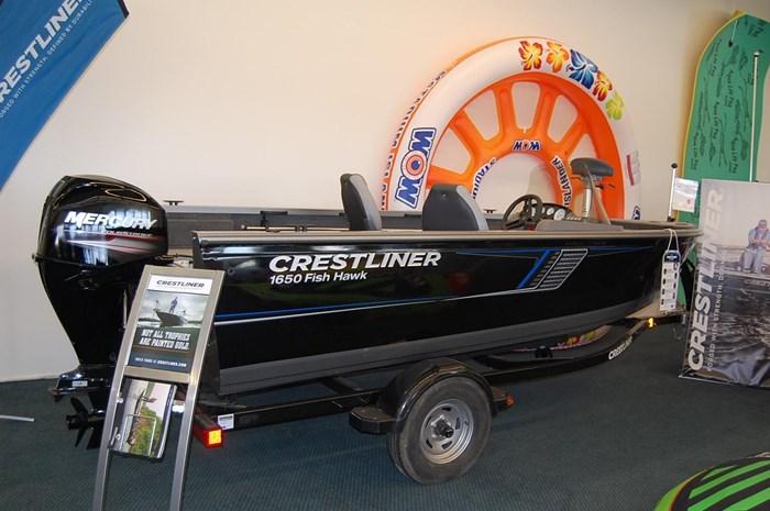 2017 Crestliner 1650 Fish Hawk Side Console Photo 2 sur 10