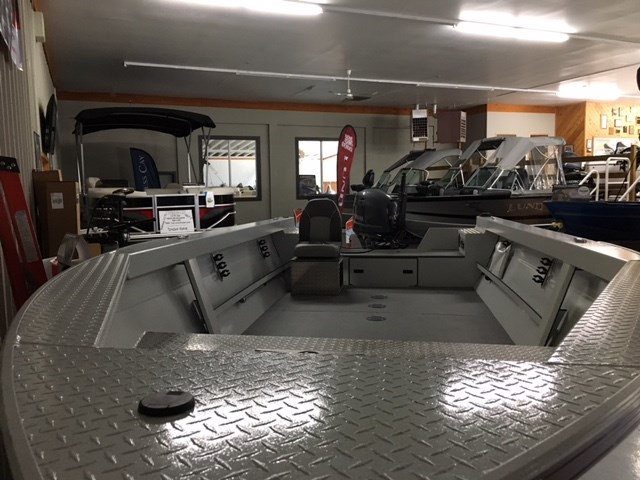 2017 KingFisher 1825 Warrior Tiller-Yamaha 70 hp-EZ Loader trailer Photo 5 of 10