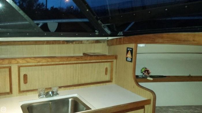 1991 Bertram FB Cruiser 28 Photo 15 sur 20
