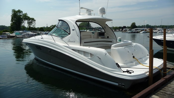 Sea Ray 440 Sundancer 2006 Used Boat for Sale in Turkey Point, Ontario -  BoatDealers ca