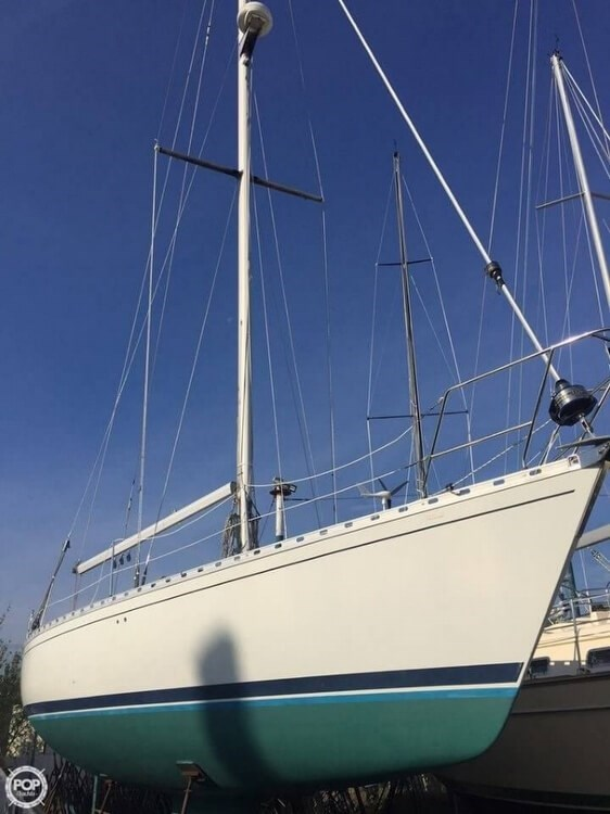 1985 Beneteau First 42 Photo 3 of 20