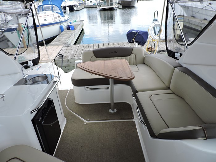 2014 Sea Ray 280 Sundancer Photo 15 of 50