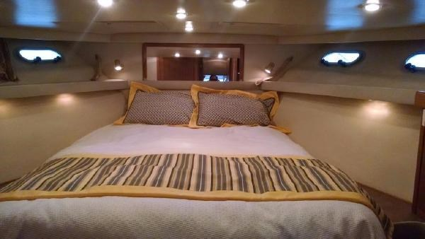 2001 Bayliner 4788 Pilot House Motoryacht Photo 6 of 22