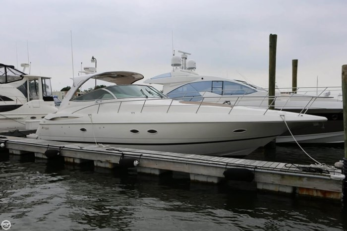 2003 Cruisers Yachts 4370 Express Photo 2 sur 20