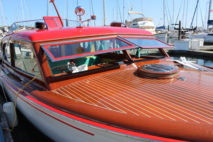 1952 Chris-Craft Super Deluxe Enclosed Photo 6 of 48