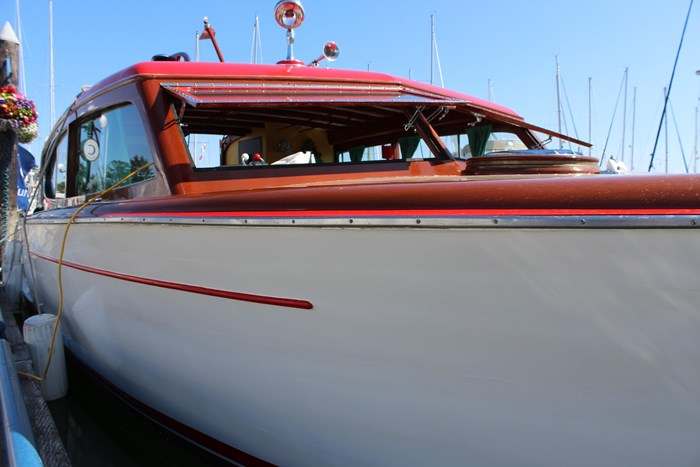 1952 Chris-Craft Super Deluxe Enclosed Photo 8 of 48