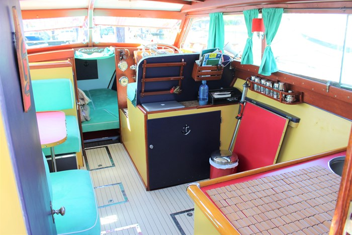 1952 Chris-Craft Super Deluxe Enclosed Photo 14 of 48