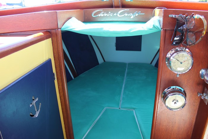 1952 Chris-Craft Super Deluxe Enclosed Photo 18 of 48