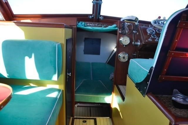 1952 Chris-Craft Super Deluxe Enclosed Photo 30 of 48