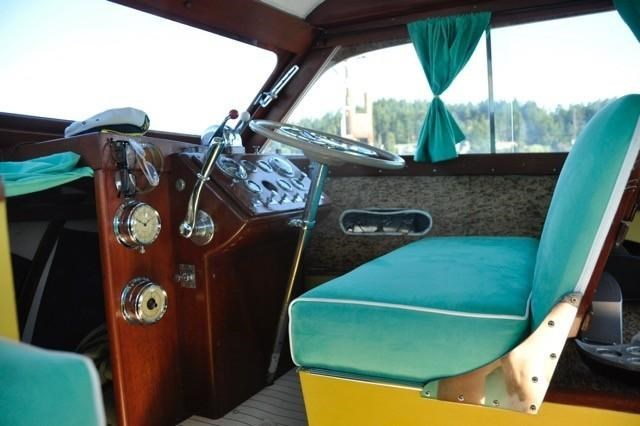 1952 Chris-Craft Super Deluxe Enclosed Photo 32 of 48